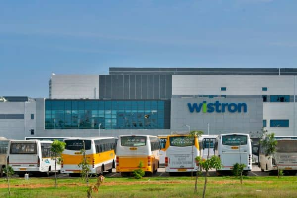 Apple puts contract partner Wistron on probation after violence at India plant – NewsNifty